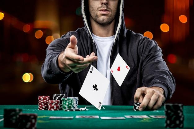Ottima performance Poker 848 57204